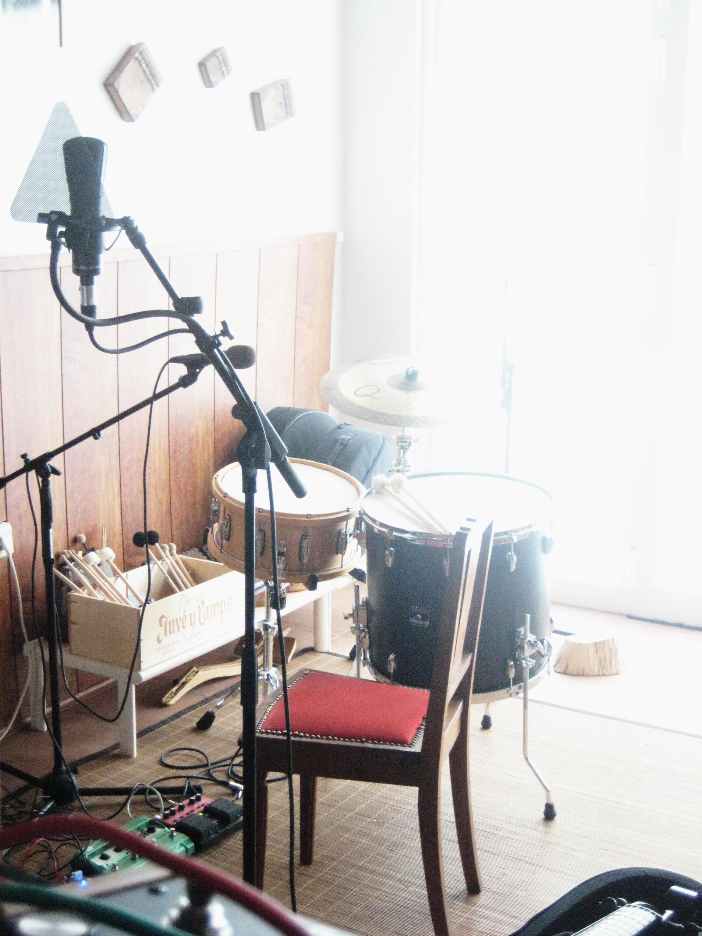 My Studio Colleen Live Recording Setup 2010 02 Im Kin Vocals And Floor Tom S